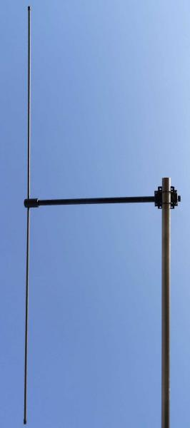 Tactical Antenna - Ground / Base Station Antenna - Military Jammer - Signal Jamming Antenna AD-39/3108 on mast
