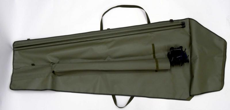 Dipole,  VHF 20 MHz - 108 MHz Tactical Antenna - Ground / Base Station Antenna - Military Jammer - Signal Jamming Antenna AD-39/3108 on mast in canvas bag