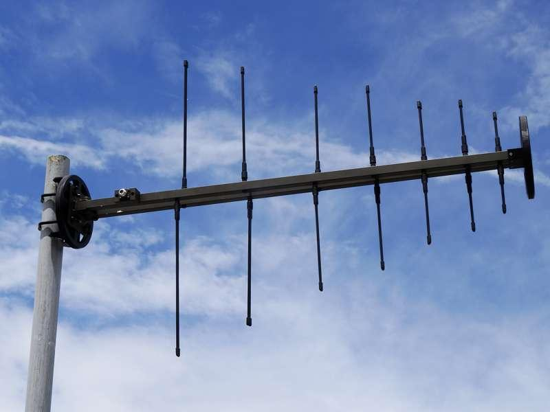 Log-periodic UHF VHF military antenna, 225 MHz - 512 MHz, Tactical Antenna AD-22/B-F