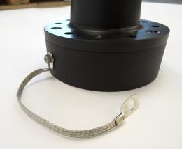 Grounding strap for HF antenna